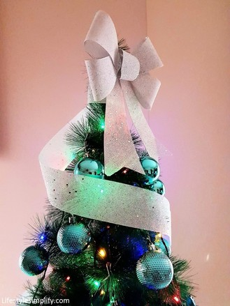Classic Bow Christmas Tree Topper