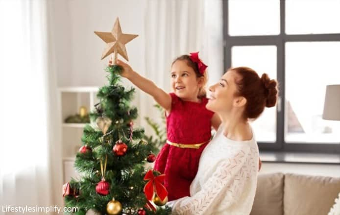 Traditional star Christmas tree topper